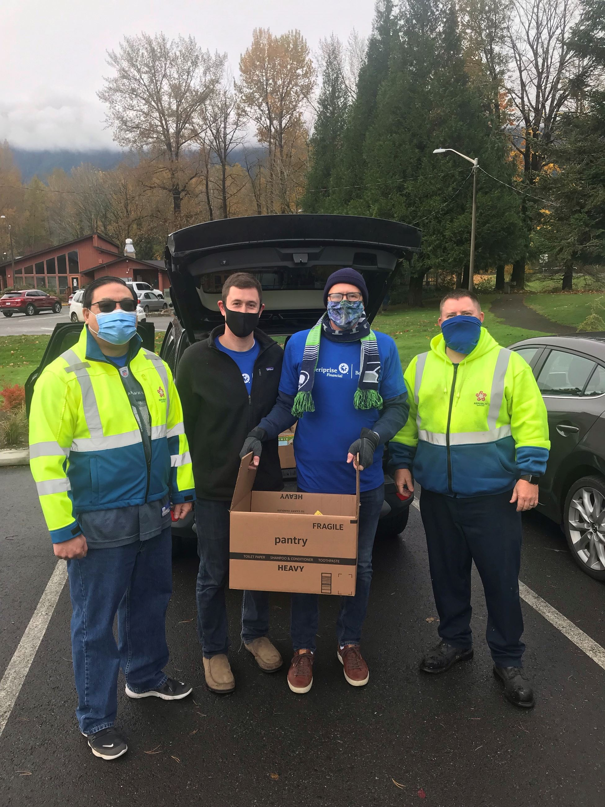 Snoqualmie Velley Food Drive 1
